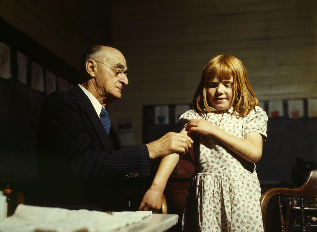 John Vachon: Typhoid inoculation